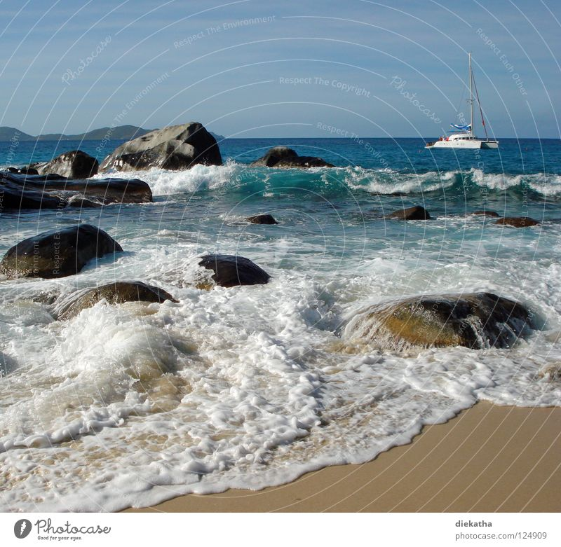 The Bath II Wellen Meer Schaum Strand Granit Horizont Ferne Segelboot Wasserfahrzeug Segeltörn Ferien & Urlaub & Reisen Karibisches Meer Rauschen Brandung Wind