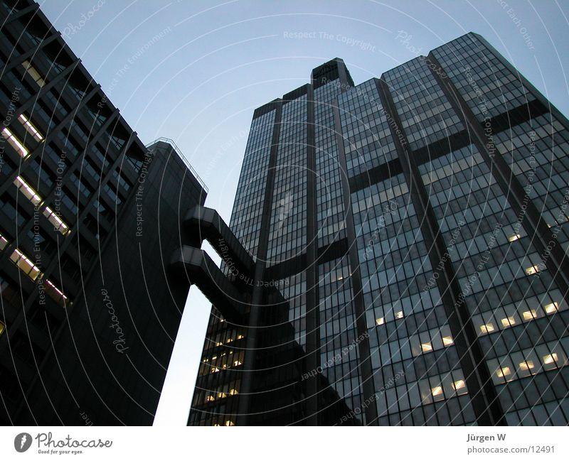 Rente bei Nacht Himmel Architektur Hochhaus Ruhestand Düsseldorf