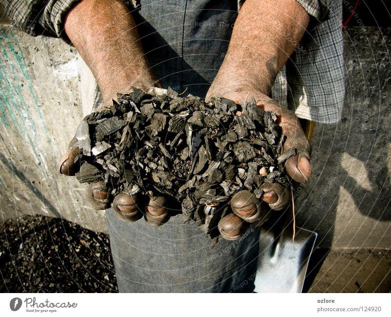 My Life is The Coal Kunst Kunsthandwerk hands coal bunch handful hard work dirty reality showing