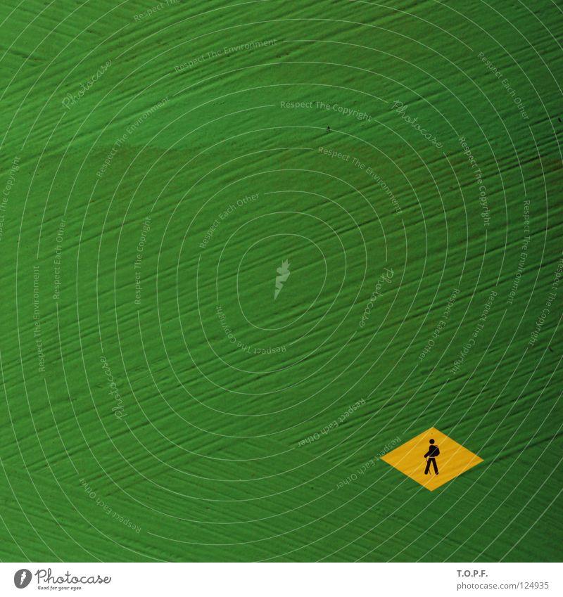 Auf Fusswegen wandern Bürgersteig Fußweg grün-gelb Brasilien Spielen Hinweisschild laufen Wege & Pfade Abweg Zeichen Schilder & Markierungen Futter-Silo