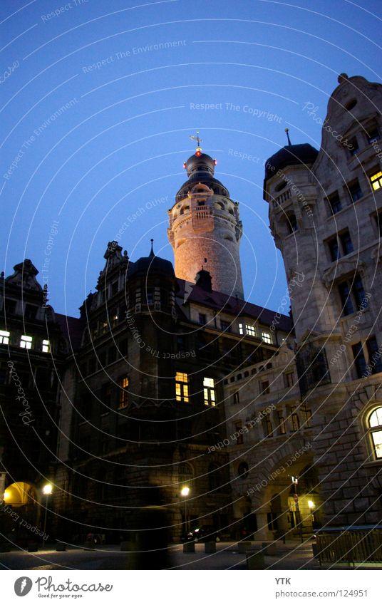 Leipzigs Neues Rathaus Himmel Stadt Stadtzentrum Altstadt bevölkert Tor Bauwerk Gebäude Architektur Mauer Wand Fassade Fenster Sehenswürdigkeit Wahrzeichen