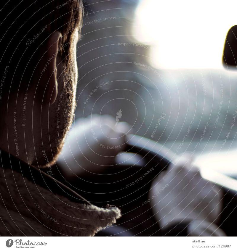 Ausflug II Ferien & Urlaub & Reisen Rundreise fahren KFZ PKW Straßenkreuzer Raum Möbel lässig Sommer Führerschein Bewegung Lenkrad Rückspiegel Gegenlicht Bart
