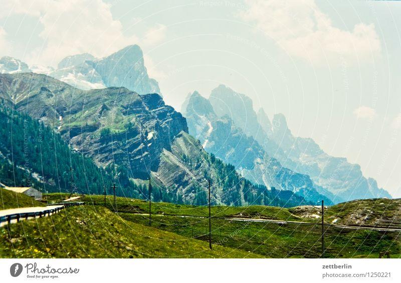 Italien (2) Himmel Ferien & Urlaub & Reisen Sommer Landschaft Ferne Wald Reisefotografie Berge u. Gebirge Straße Wiese Wege & Pfade Felsen Tourismus
