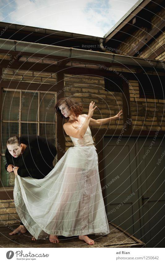 Das Wolkenheim [1] Mensch feminin Junge Frau Jugendliche Paar Körper 2 Kunst Künstler Theaterschauspiel Bühne Schauspieler Zirkus Veranstaltung Stadtrand