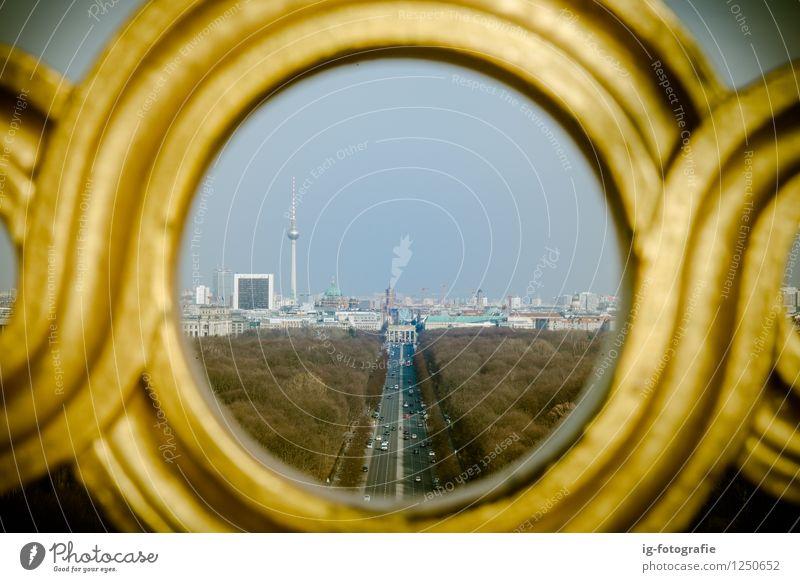 Berlin durch ein Pinhole Stadt Hauptstadt Park Wahrzeichen Liebe Leben Ausblick Fernsehturm Siegessäule TV-Turm Aussicht Straße Tiergarten Farbfoto