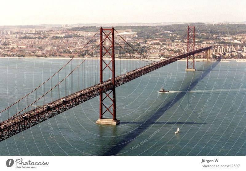 Lisboa Wasser Sommer Ferien & Urlaub & Reisen Europa Brücke Portugal Lissabon Tejo