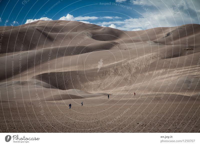 winzig Mensch Himmel Natur Ferien & Urlaub & Reisen Sommer Landschaft Ferne Umwelt Sand Tourismus wandern Klima Abenteuer trocken USA Wüste