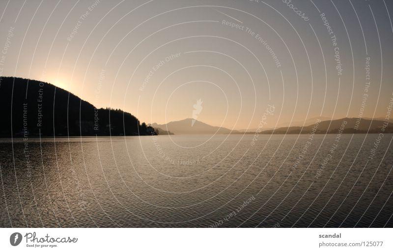 sky Himmel Sonne blau rot Berge u. Gebirge See Wellen Abenddämmerung Kondensstreifen