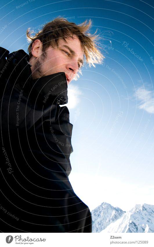 auf 2500 Mensch Himmel Mann Jugendliche blau Winter Wolken schwarz ruhig Gesicht kalt Berge u. Gebirge Haare & Frisuren Kopf Zufriedenheit Wind