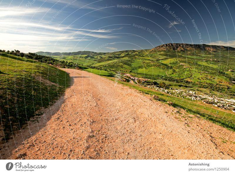 roter Weg ins Grüne Umwelt Natur Landschaft Pflanze Luft Himmel Wolken Horizont Sommer Wetter Schönes Wetter Baum Gras Wiese Hügel Gipfel Fes Marokko Stadt