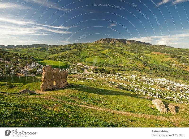Ruinen bei Fes Umwelt Natur Landschaft Pflanze Himmel Wolken Horizont Sommer Wetter Schönes Wetter Baum Gras Sträucher Wiese Wald Hügel Marokko Bauwerk Straße