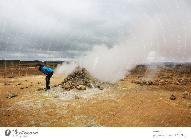 die Bombe platzen lassen Mensch 1 Umwelt Natur Landschaft Vulkan Gefühle Stimmung Schwefelquelle Wasserdampf Pups Island Reisefotografie