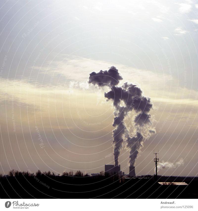 Kraftwerk Himmel Wolken Umwelt Luft Deutschland Klima Energiewirtschaft Elektrizität Industrie Technik & Technologie Rauch brennen Abenddämmerung Schornstein