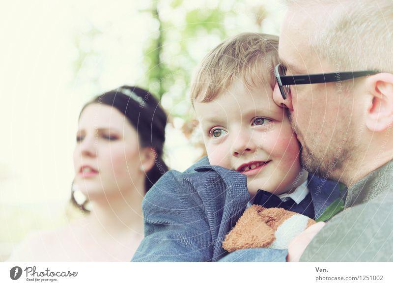 Hochzeit zu Dritt Mensch Frau Kind Jugendliche Mann schön 18-30 Jahre Erwachsene feminin Familie & Verwandtschaft maskulin Kindheit Brille Mutter Vater