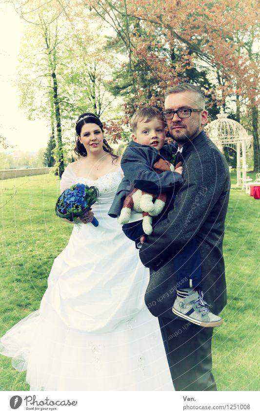 Familienzuwachs Hochzeit Mensch Kind Junge Frau Erwachsene Mann Eltern Mutter Vater Familie & Verwandtschaft Paar 3 3-8 Jahre Kindheit 18-30 Jahre Jugendliche