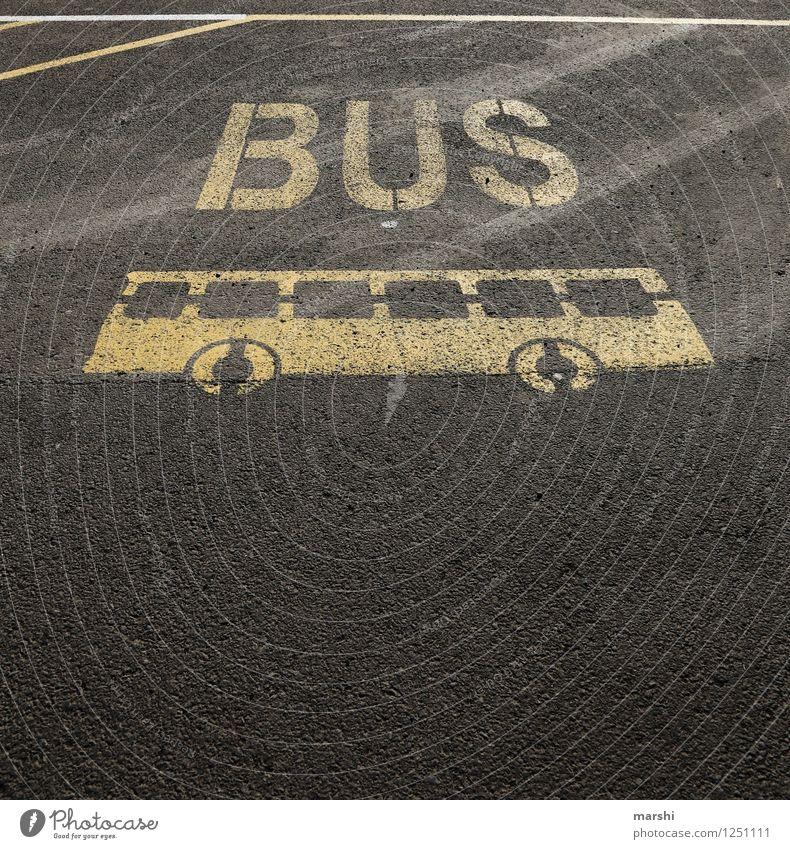 BUS Verkehr Verkehrsmittel Verkehrswege Personenverkehr Öffentlicher Personennahverkehr Straßenverkehr Busfahren Wege & Pfade Fahrzeug Stimmung Parkplatz