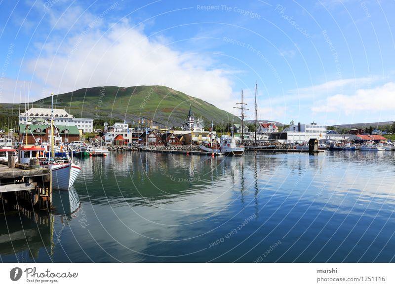 Husavik Natur Landschaft Berge u. Gebirge Küste Bucht Fjord Meer Insel Verkehrsmittel Verkehrswege Schifffahrt Kreuzfahrt Bootsfahrt Containerschiff Hafen