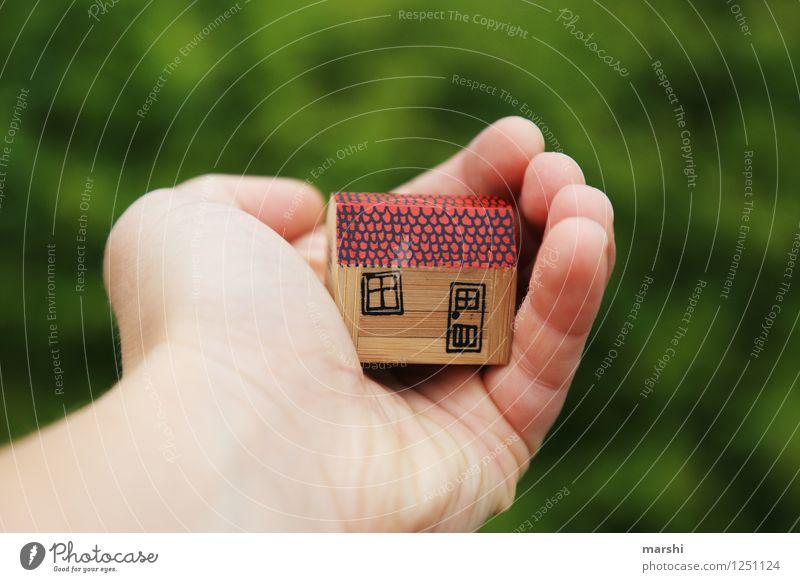 behütetes Zuhause Ferien & Urlaub & Reisen Hand Haus Gefühle Gesundheit Garten Stimmung Wohnung träumen Zufriedenheit Freizeit & Hobby Häusliches Leben Zeichen
