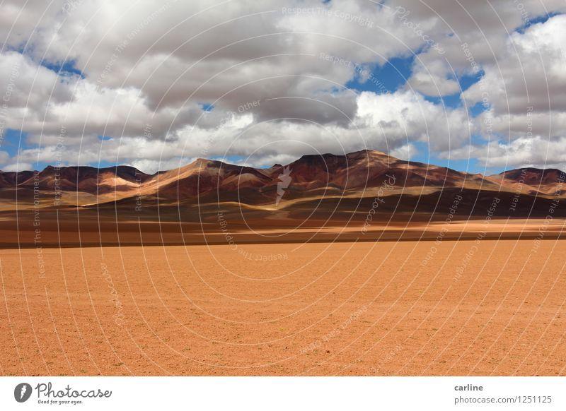 País de oro Umwelt Natur Landschaft Erde Sand Luft Himmel Wolken Wärme Dürre Hügel Felsen Berge u. Gebirge Wüste Bergkette frei Unendlichkeit trist trocken blau