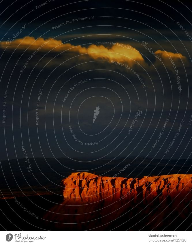 Sonnenuntergang Himmel Natur Ferien & Urlaub & Reisen blau Sonne rot Wolken Berge u. Gebirge gelb Hintergrundbild grau Stein Felsen orange Wetter USA