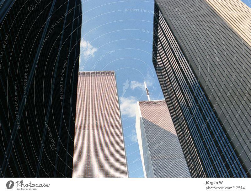 World Trade Center Himmel blau Wolken Hochhaus USA Turm New York City