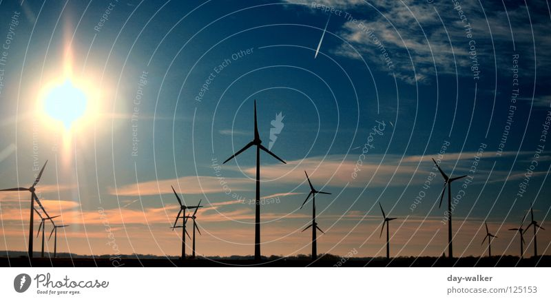 Enemies of Don Quichotte Wolken Gelände Windkraftanlage Propeller Versorgung Elektrizität Drehung Macht Dämmerung Sonnenuntergang Licht dunkel