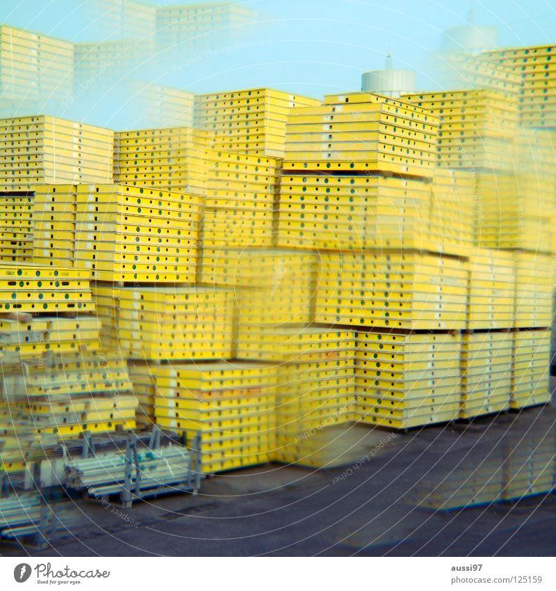 Prismatisch gelb graphisch Paletten Beton aufräumen Material Gewerbegebiet Hausbau Arbeit & Erwerbstätigkeit Hochbau abstützen Sturz Bauarbeiter Handwerk