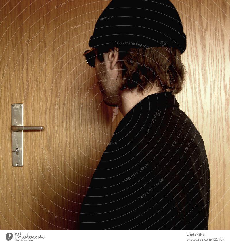 Jack Maddox Pt.4 Mann Hand Arbeit & Erwerbstätigkeit Haare & Frisuren Tür Rücken Coolness Brille stehen Ladengeschäft Anzug Bart Mütze Computernetzwerk