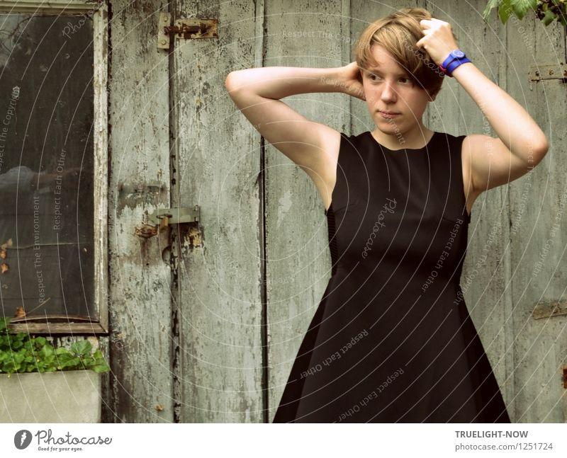 Haare schön?! Lifestyle Design Garten Gartenhaus feminin Junge Frau Jugendliche Leben Körper 1 Mensch 13-18 Jahre Kind Mode Kleid Armbanduhr Haare & Frisuren