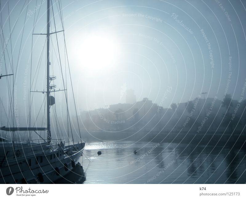 NEBEL IV Wasser Wolken ruhig Winter Ferne Erholung kalt Mauer Wasserfahrzeug Eis Nebel Wassertropfen schlafen liegen frisch Perspektive