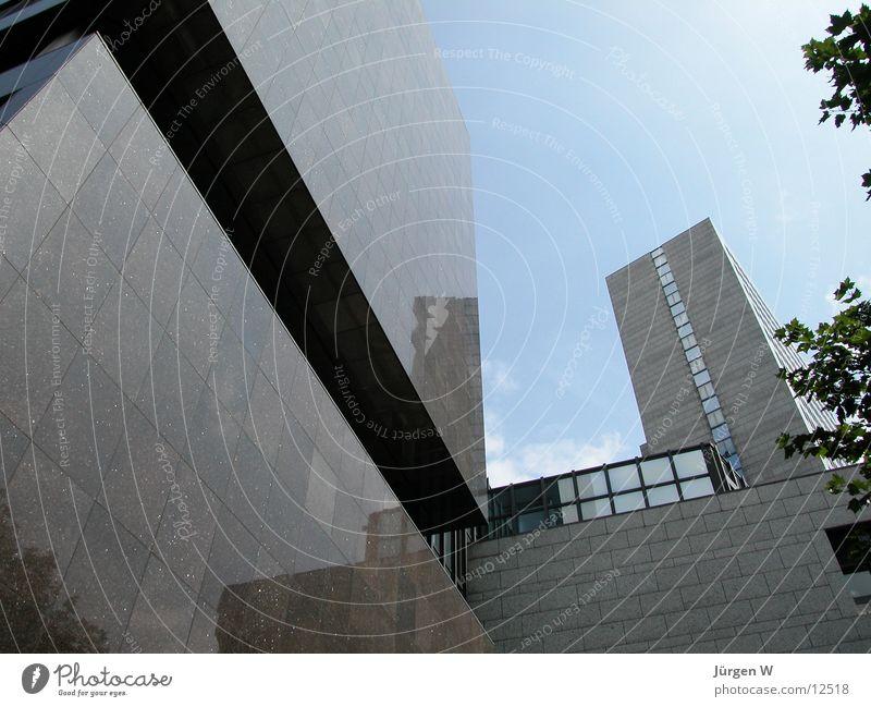 Die Macht des Geldes Himmel blau Architektur Hochhaus Düsseldorf
