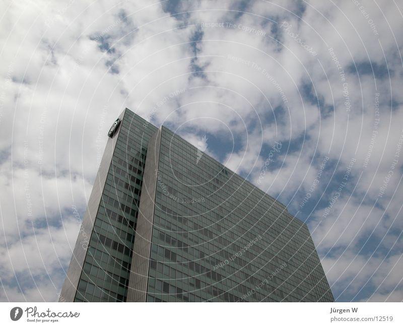 Drei Scheiben 1 Wolken Fassade Hochhaus Himmel Architektur Düsseldorf dreischeibenhochhaus architecture sky clouds Vorderseite