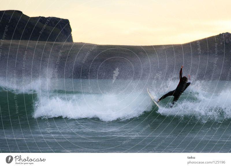 ...YEEEEAAAHHH...II Sommer Sport springen Coolness Surfen Surfer Wassersport Neuseeland Surfbrett