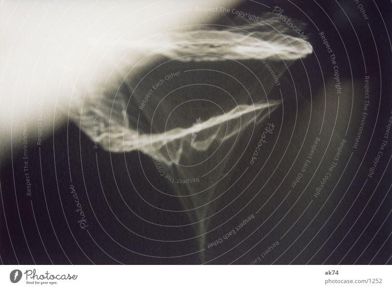 Ikea-Teller reflektiert schwarz weiß Fototechnik Reflektion Fraktal