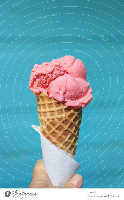 ICELAND-ICE Sommer Gefühle Lebensmittel Stimmung rosa Eis Speiseeis lecker Sommerurlaub Island Dessert sommerlich Kühlung geschmackvoll Waffel Erdbeereis