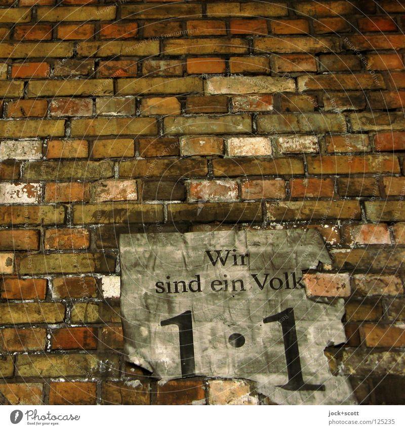 Wir sind ein Volk (Aufruf zur Demonstration) Wand Backstein historisch Originalität Gerechtigkeit Politik & Staat protestieren Wandel & Veränderung Plakat DDR