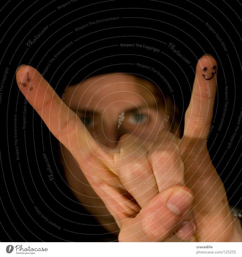 rock'n roll ;) Jugendliche Hand Freude Gesicht Auge dunkel Haare & Frisuren blond Haut Finger geheimnisvoll Musik Rockmusik Daumen Teufel