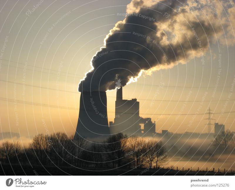 Früh morgens Wolken Nebel Elektrizität Gegenlicht Morgen ruhig Himmel Stromkraftwerke Sonne Energiewirtschaft Rauch