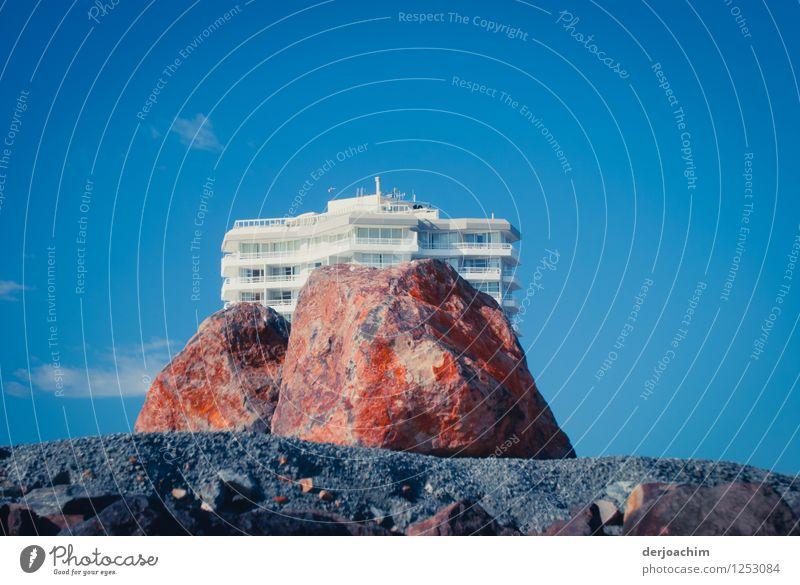 Felsenhotel Sommer weiß Meer Landschaft Freude Haus Küste außergewöhnlich Stein Design Erde Hochhaus hoch Ausflug beobachten Schönes Wetter