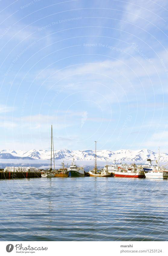 Hafenkulisse Himmel Natur blau Sommer Meer Landschaft Reisefotografie Berge u. Gebirge Küste Stimmung Wasserfahrzeug Insel Bucht Hafen Verkehrswege Schifffahrt