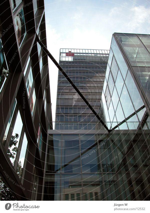 Die Macht des Geldes 2 Himmel Architektur Glas Hochhaus Geldinstitut Stahl Düsseldorf