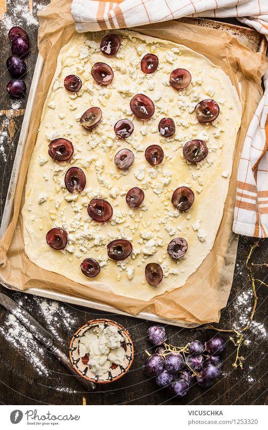 Flammkuchen mit Weintrauben und Schafskäse backen Lebensmittel Milcherzeugnisse Frucht Teigwaren Backwaren Ernährung Mittagessen Abendessen Bioprodukte