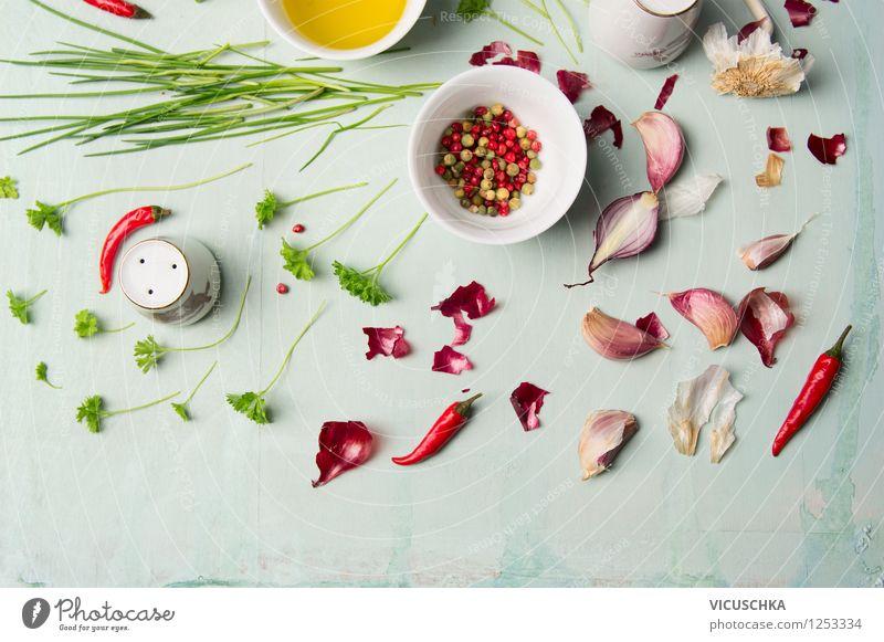 Bunte Kräuter und Gewürze für leckeres Kochen grün rot Gesunde Ernährung Leben Stil Hintergrundbild Lebensmittel Design frisch Tisch Kochen & Garen & Backen