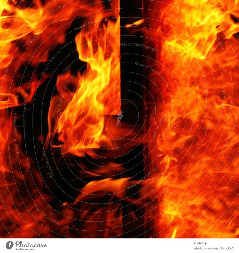 In Flames Farbe rot gelb Wärme Leben Holz orange Angst groß gefährlich bedrohlich Abenteuer Brand Feuer Rauch heiß