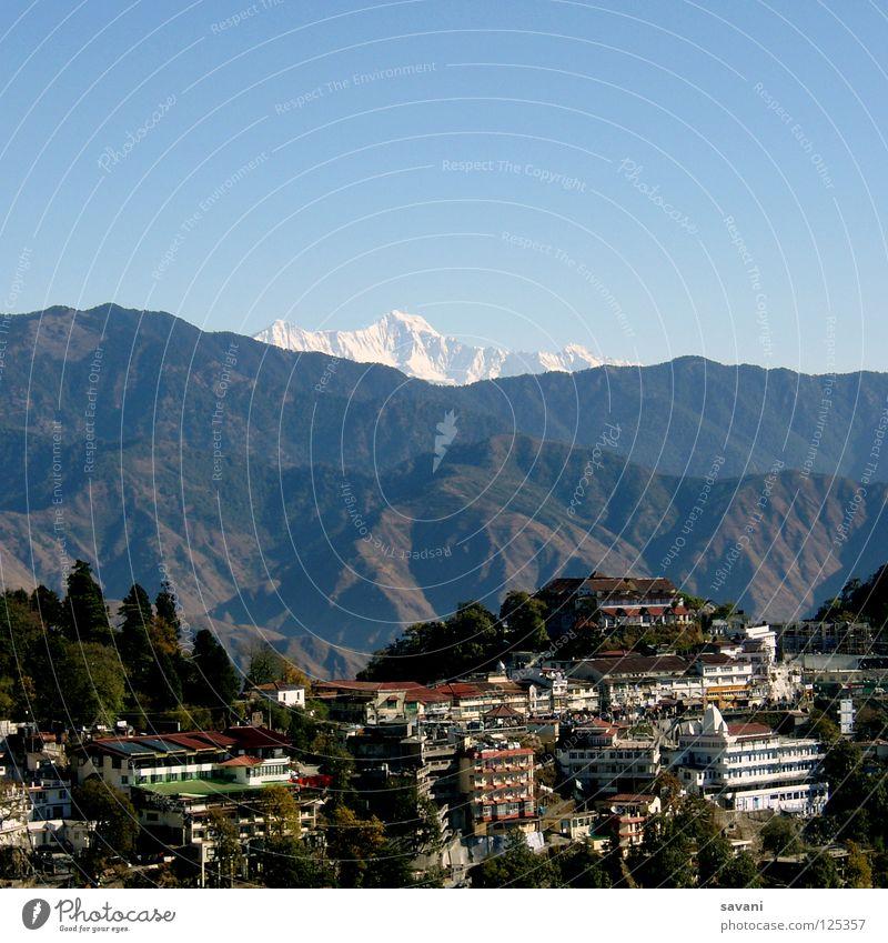 Himalaya IV Ferien & Urlaub & Reisen Schnee Berge u. Gebirge Haus Klettern Bergsteigen Natur Landschaft Himmel Schönes Wetter Nebel Wald Gipfel Gletscher hoch