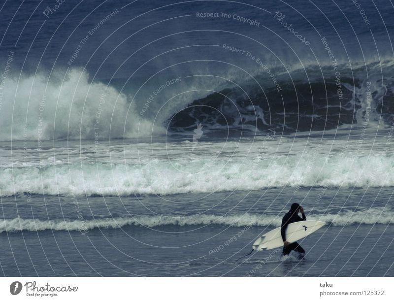 SURF IS OVER Mensch Mann Wasser grün Strand Sport Sand gehen Coolness Surfen Surfer Wassersport Neuseeland Surfbrett Südinsel Schliff