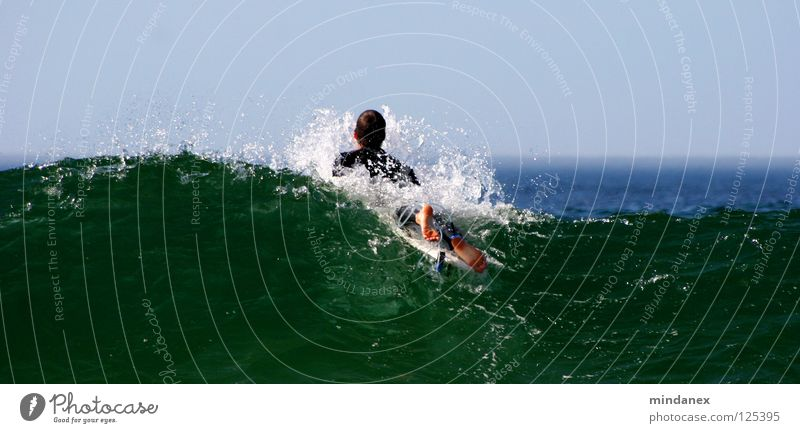 Wellenbrecher Wasser grün blau Meer Surfen Surfer Wassersport Sport