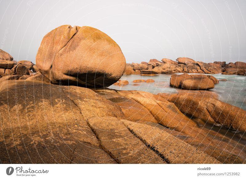 Atlantikküste in der Bretagne Erholung Ferien & Urlaub & Reisen Natur Landschaft Wolken Felsen Küste Sehenswürdigkeit Stein Tourismus Ploumanac'h
