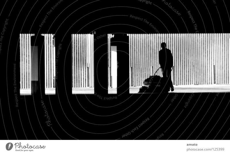 Schattenmann dunkel kalt Arbeit & Erwerbstätigkeit dreckig Beton leer Konzentration Dienstleistungsgewerbe Lichtspiel Krach Farblosigkeit