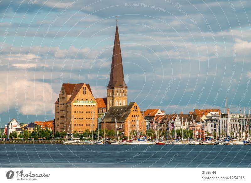 Am anderen Ufer Stadt blau Architektur Gebäude braun Wasserfahrzeug gold Kirche Bauwerk Hafen Wahrzeichen Stadtzentrum Sehenswürdigkeit Altstadt